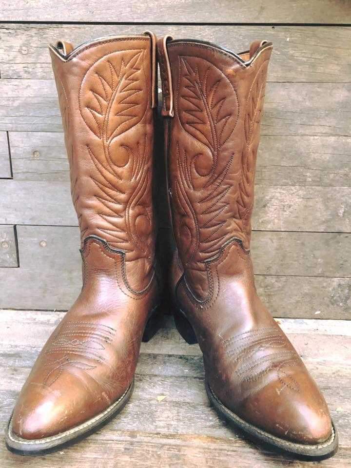 Red wing cow boy boot size 10