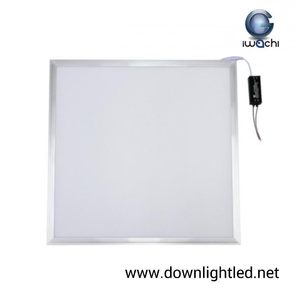 โคมอะคริลิคฝังฝ้าทีบาร์ 60x60 48w ยี่ห้อ Iwachi (แสงขาว)
