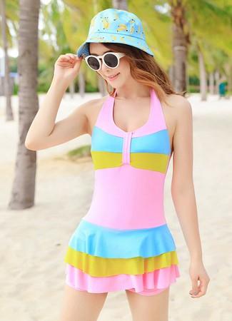 ชุดว่ายน้ำสีสดใส พร้อมส่ง one size