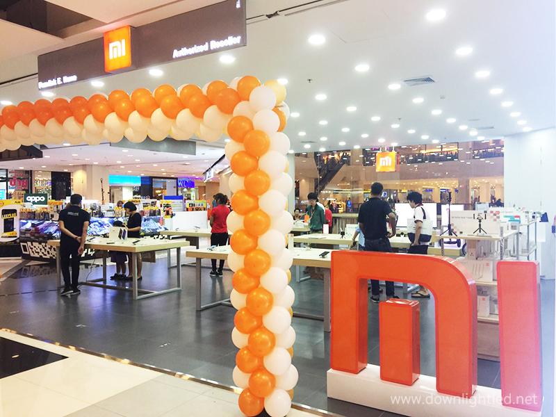 ผลงานติดตั้งโคมไฟดาวน์ไลท์หน้ากลม ช็อปร้านโทรศัพท์ MI (Xiaomi) ของจีน