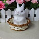 กระต่าย สีขาว จำลองในตะกร้าหวาย 11x12 CM