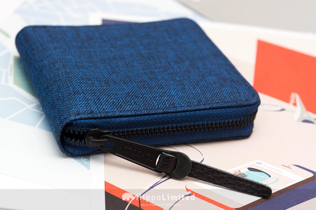 กระเป๋าสตางค์แบบซิปรอบ Herschel Walt Wallet - Eclipse Crosshatch ซิปสีดำตัวดึงหนังแท้