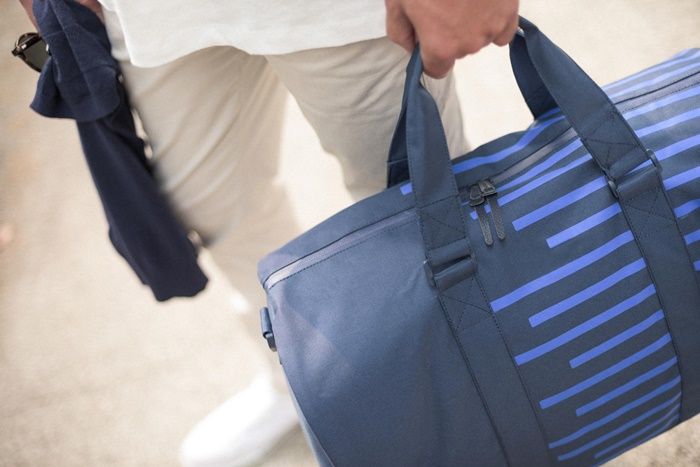 HERSCHEL OFFSET NOVEL DUFFLE - NAVY / COBALT STRIPES